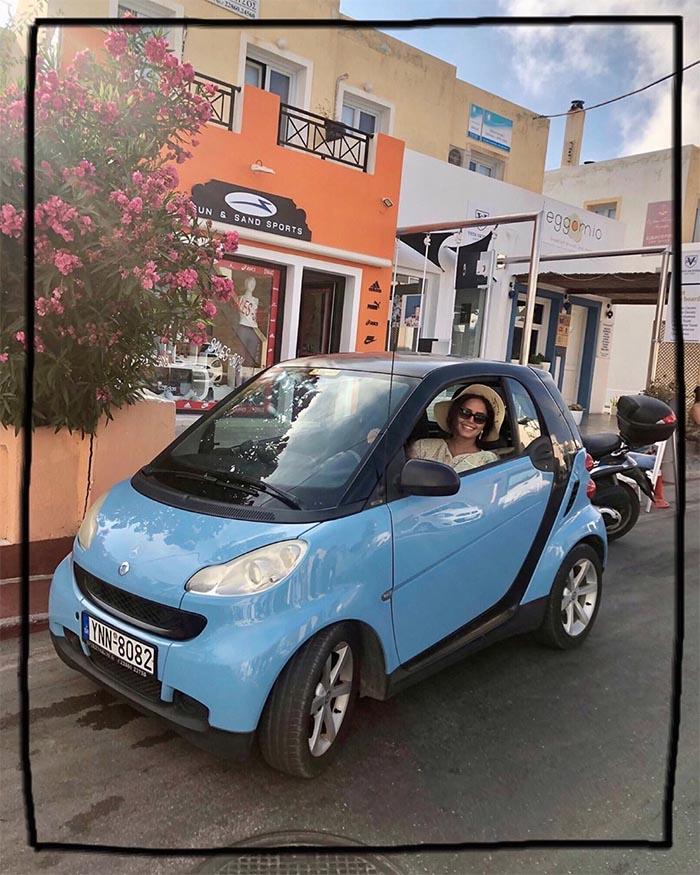 عکس: خودروی بامزه الناز شاکردوست در خارج! +عکس