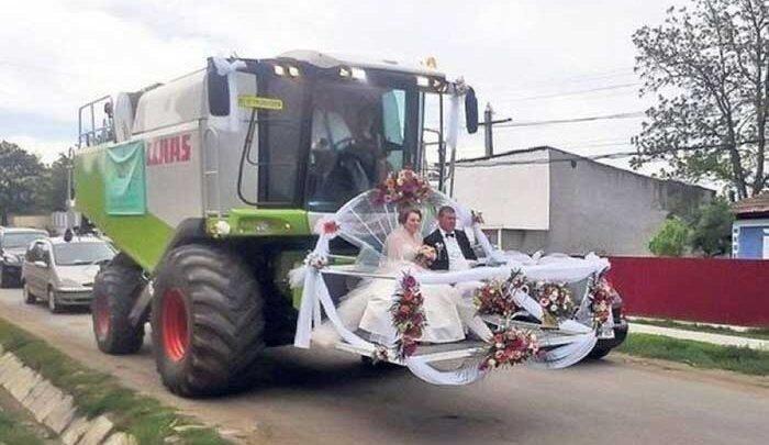 عکس: راهکار عجیب عروس و داماد برای دیده شدن!
