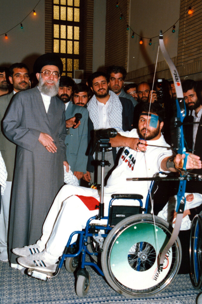 تصویری از مهمانان ویژه و متفاوت رهبر انقلاب