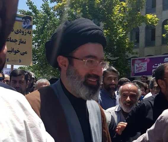 حجتالاسلام سید مجتبی خامنهای فرزند رهبر انقلاب در راهپیمایی روز قدس