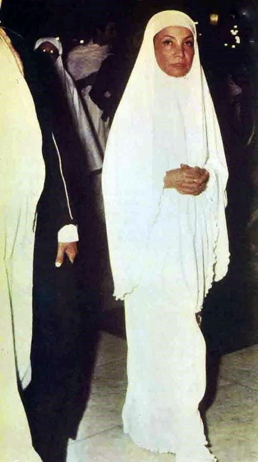 عکس/ اشرف پهلوی در لباس احرام