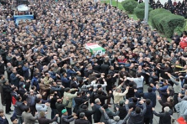 نتیجه تصویری برای تصاویر تشییع پیکر پدر شهیدان طوسی