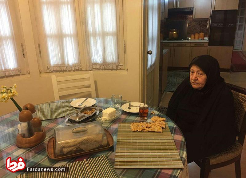 اولین صبحانه عفت مرعشی پس از مرگ آیت الله