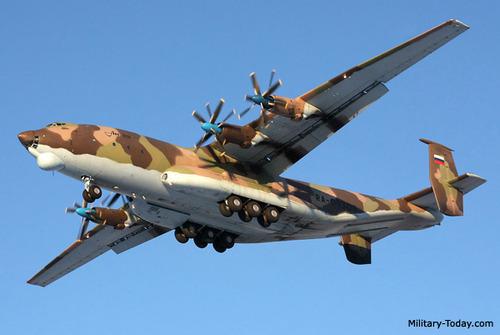 آنتونوف ایان-۲۲  یک هواپیمای ساختِ کارخانه آنتونوف در کشور اتحاد جماهیر سوسیالیستی شوروی است که در سال ۱۹۶۶–۱۹۷۶ ساخته شد. نخستین استفادهکنندهٔ این هواپیما نیروی هوایی شوروی بودهاست. این هواپیما در ۲۷ فوریه ۱۹۶۵ میلادی نخستین پرواز خود را انجام داد.